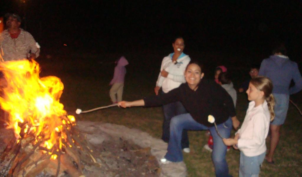 noche de campamento en quiqueland