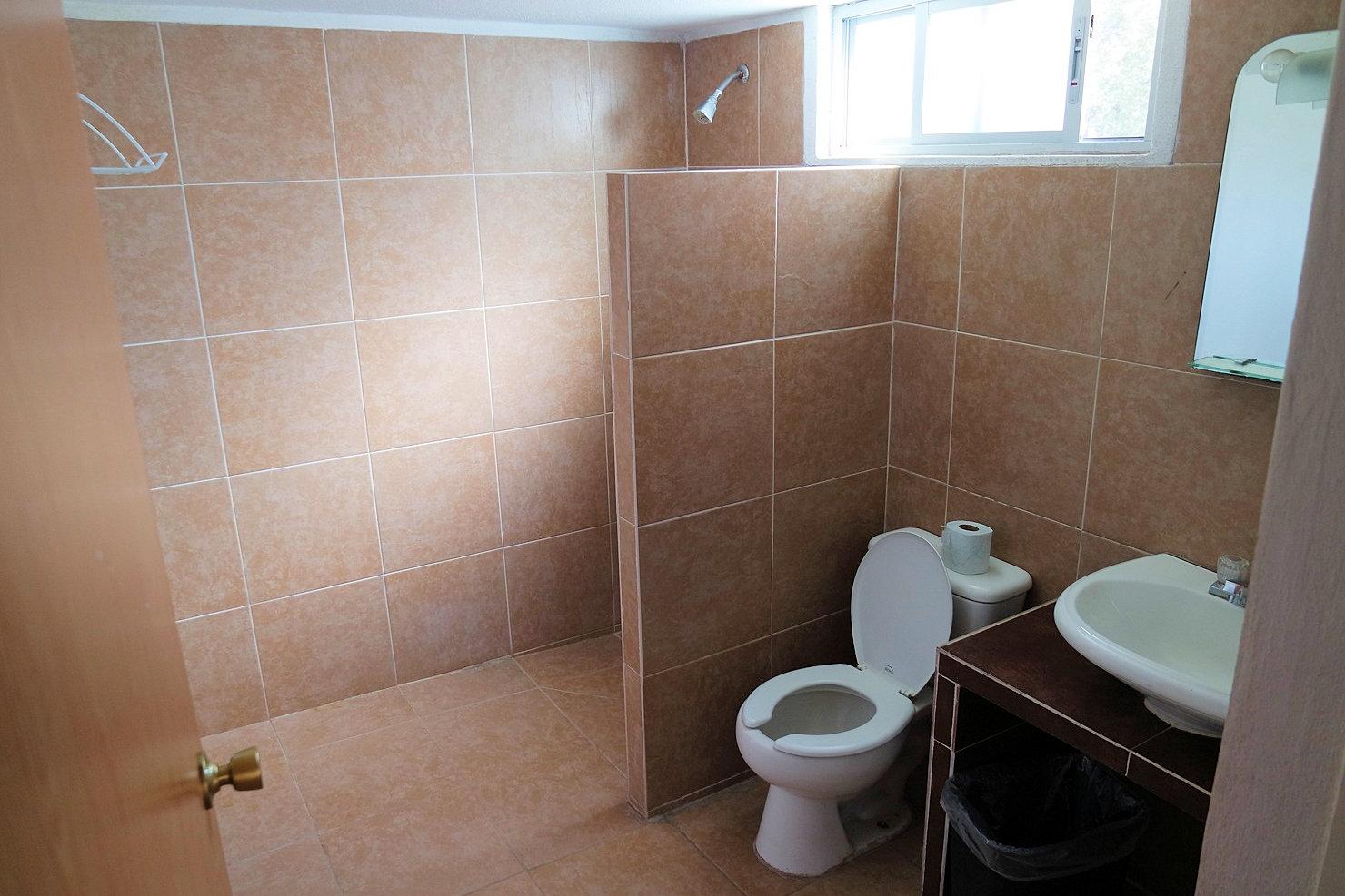 baño-cabaña-quiqueland-slp